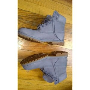 PERIWINKLE TIMBERLAND WOMENS boots